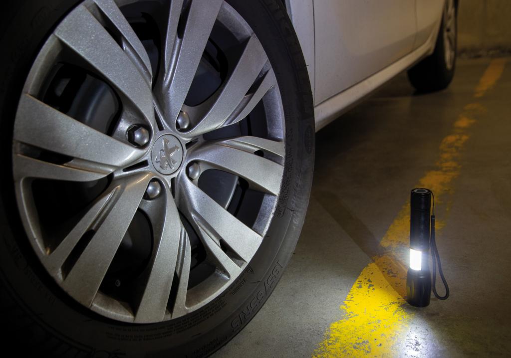 10W fokussierbare CREE Taschenlampe mit COB